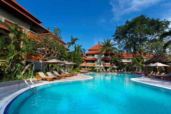 White Rose Kuta Resort, Villas & Spa Swimming Pool