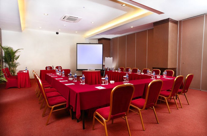 Gino Feruci Kebon Jati Bandung Meeting Room