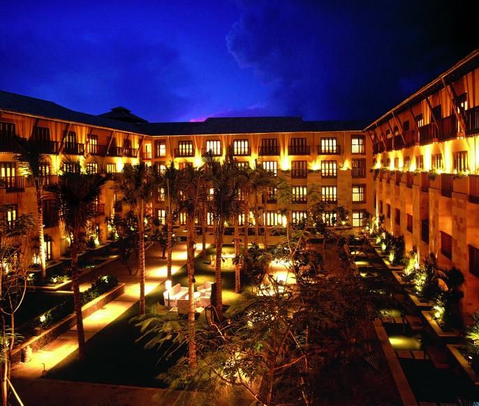 Hard Rock Hotel Bali Courtyard