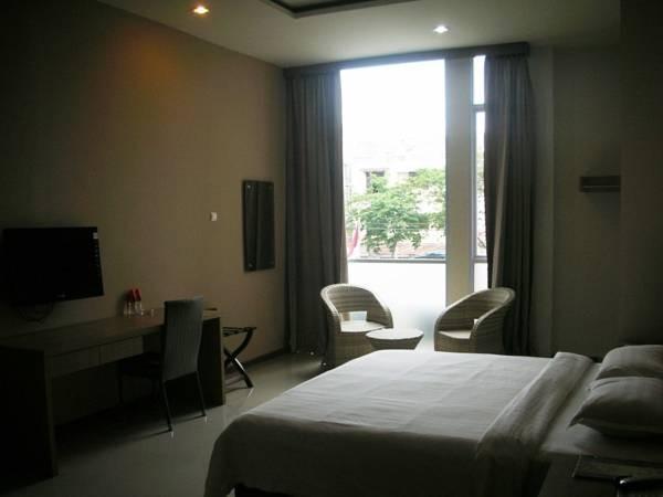 Putra Mulia Hotel Guest Room