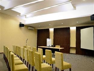 Feodora Hotel Grogol Meeting Room