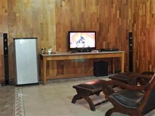 Raffles Villa Guest Room