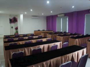 Hotel Bunga Bunga Meeting Room