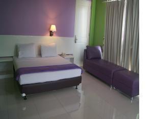 Hotel Bunga Bunga Guest Room