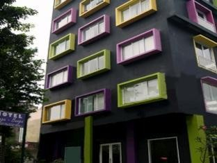 Hotel Bunga Bunga Exterior