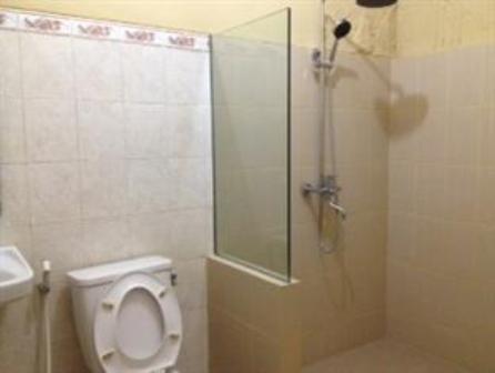 Hotel Wisma Aji Bathroom