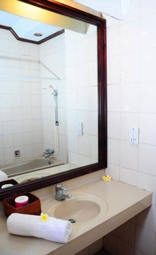 The Rishi Candidasa Beach Hotel Bathroom