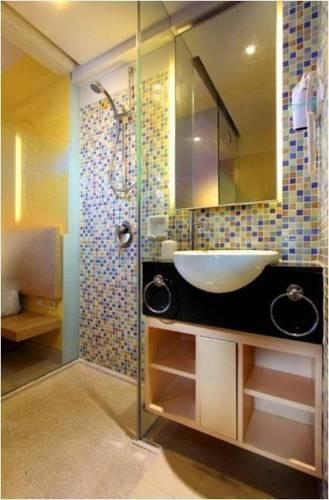 Best Western Kuta Beach Bathroom