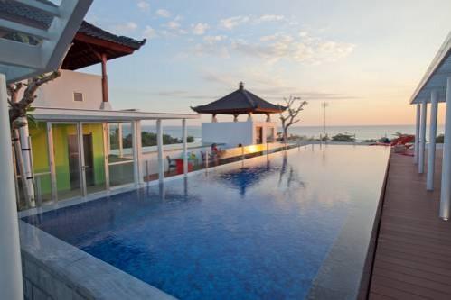 Best Western Kuta Beach Swimming Pool