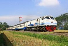 Senja Singosari meninggalkan stasiun Pakisaji