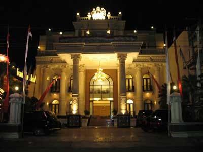 The Grand Palace Hotel Malang Exterior
