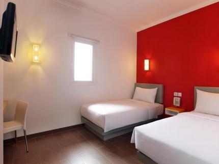 Amaris Hotel Mangga Dua Square Guest Room