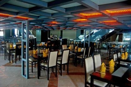 Amos Cozy Hotel Restaurant