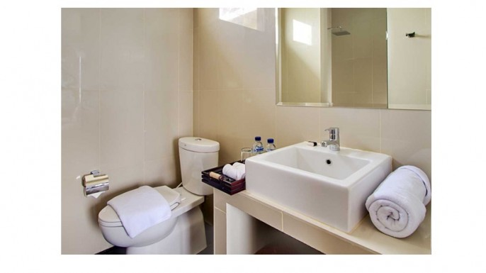 DenBukit Residence & Suites Bathroom