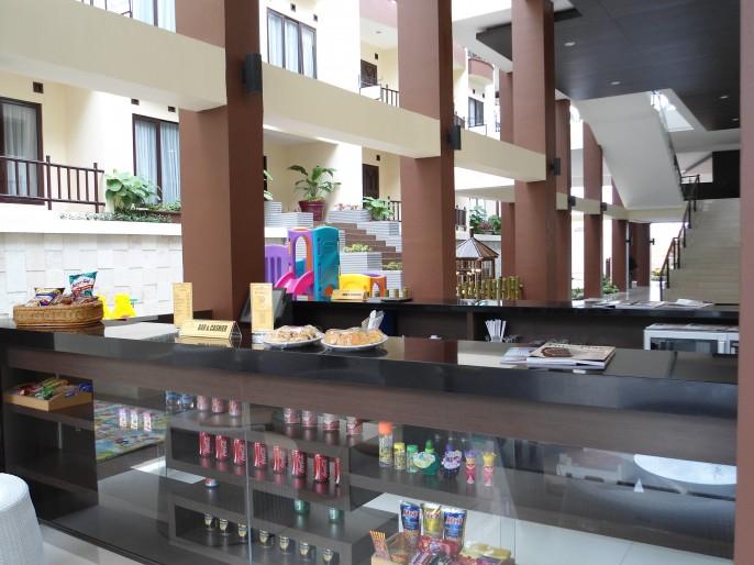 Palace Hotel Cipanas Balcony