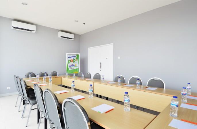 POP! Hotel BSD City Tangerang Meeting Room