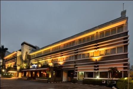 Prama Grand Preanger Bandung Balcony