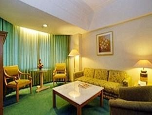 Horison Hotel Bandung Living Room