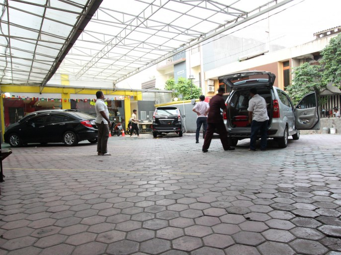 ROVI BOUTIQUE HOTEL Parking Area