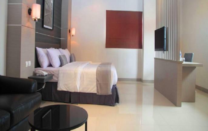 T Hotel Kebayoran Suite Room