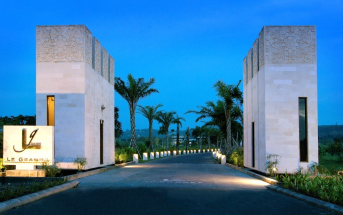 Le Grande Bali Entrance