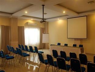 Puri Saron Denpasar Meeting Room