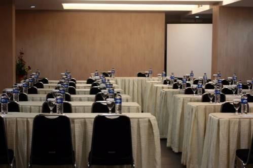 Swiss-Belinn Medan Meeting Room