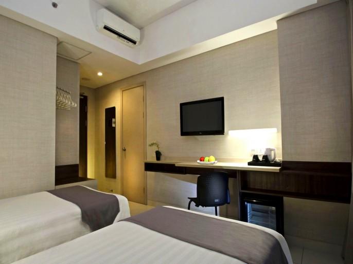 Neo Hotel Tanah Abang - Cideng, Jakarta Balcony