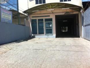 Hotel Pelangi Parking Area