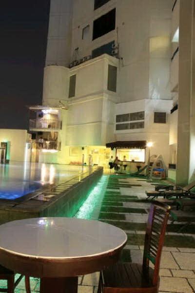 Twin Hotel Surabaya View