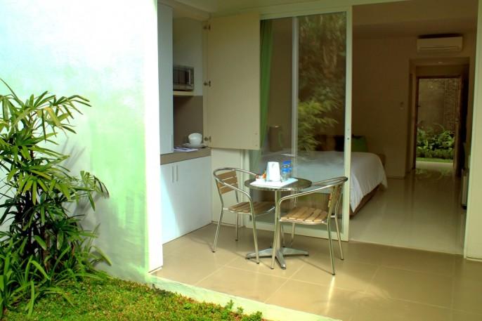 Cozy Stay Hotel Bali Balcony