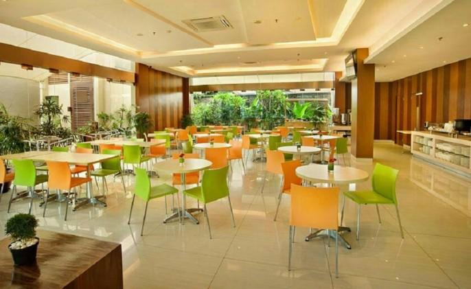 V Hotel Jakarta Restaurant