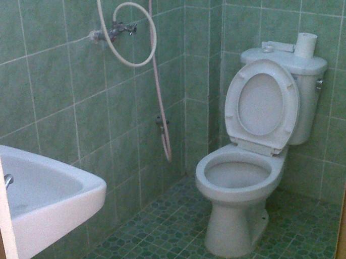 Hotel King Yogyakarta Bathroom