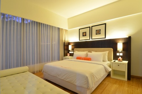 HARRIS Hotel & Conventions Malang Suite Room