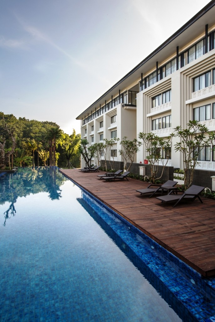 HARRIS Hotel & Conventions Malang Swimming Pool