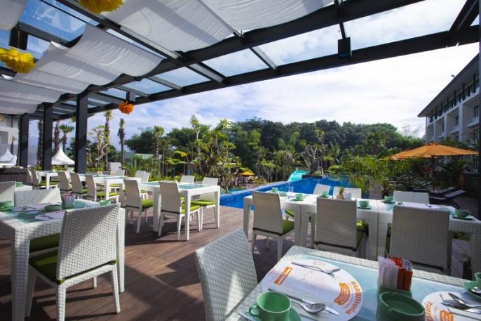 HARRIS Hotel & Conventions Malang Restaurant