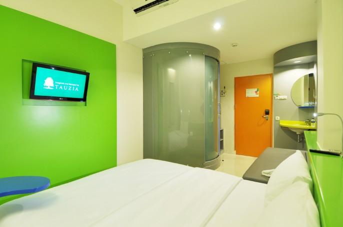 POP! Hotel BSD City Tangerang Balcony
