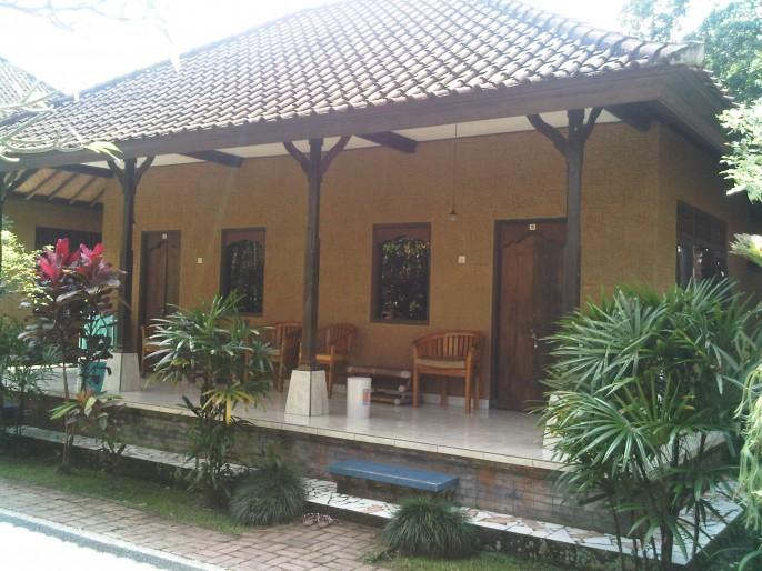Agung Trisna Bungalow Balcony