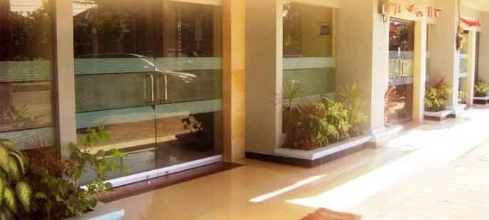 Puri Saron Denpasar Entrance